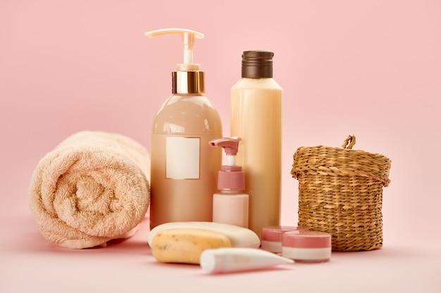 Produtos de cuidados com a pele . conceito de procedimentos de saúde, cosméticos de higiene, estilo de vida saudável, spa