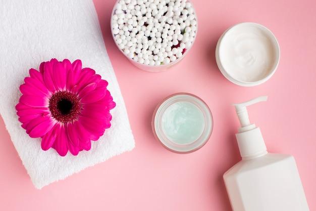 Produtos de higiene pessoal em leito plano