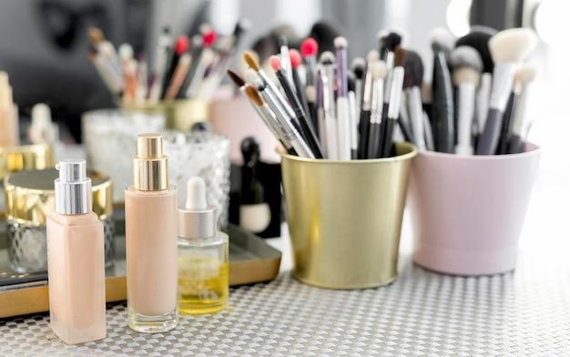 Produtos de maquiagem de alto ângulo