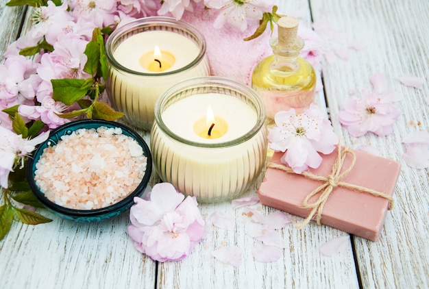 Produtos de spa com flor de sakura