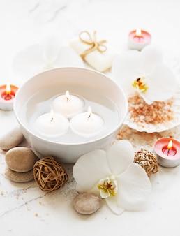 Produtos de spa com orquídeas