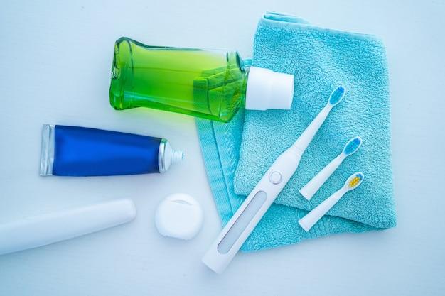 Produtos dentários para escovar os dentes, cuidados com os dentes saudáveis, higiene bucal e hálito fresco