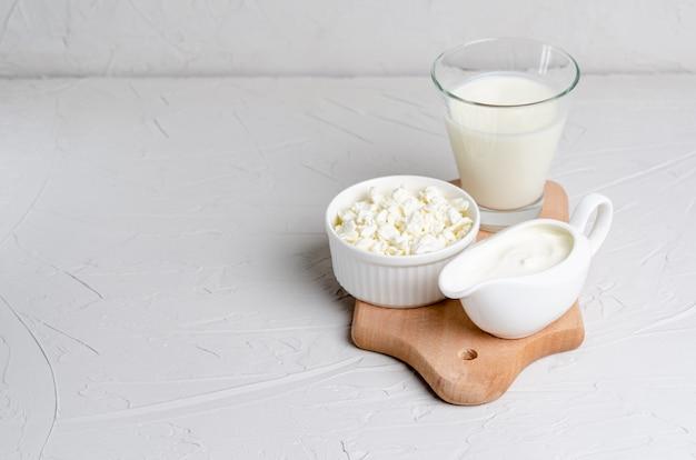 Produtos fermentados caseiros - kefir, queijo cottage, orçamento