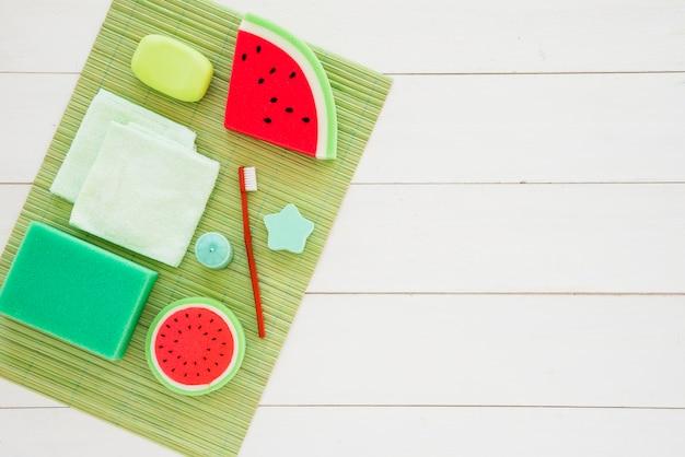Produtos infantis coloridos para cuidados pessoais
