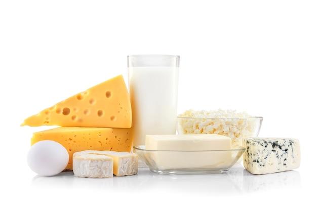 Produtos lácteos frescos na mesa