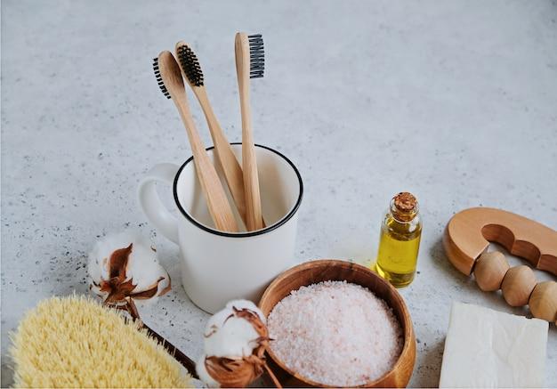 Produtos livres de plástico e escova de dentes de bambu
