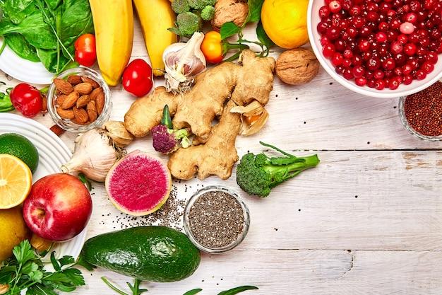 Produtos naturais, frutas e legumes, vista superior