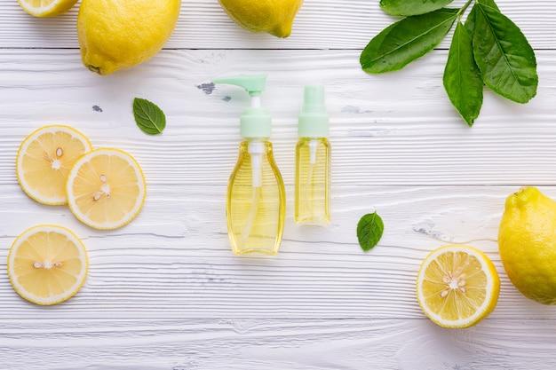 Produtos naturais para cuidados com a pele à base de plantas.