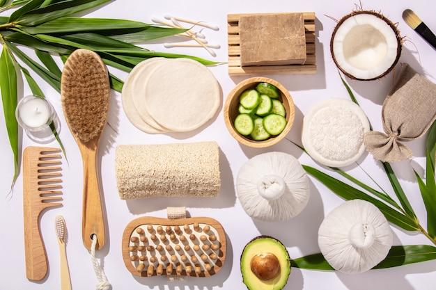 Produtos naturais para o cuidado da pele. zero desperdício, banheiro ecológico e acessórios de spa
