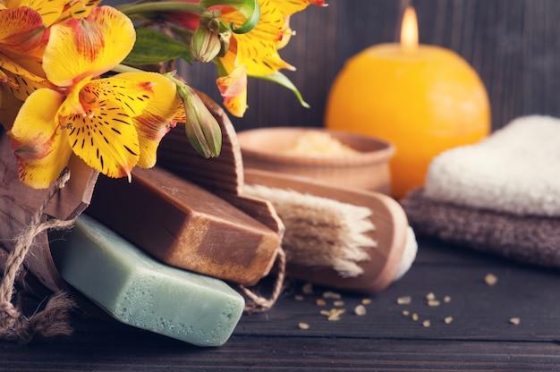 Produtos orgânicos spa com flores, sal de banho