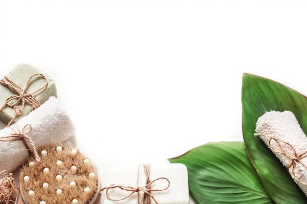 Produtos orgânicos spa na parede branca