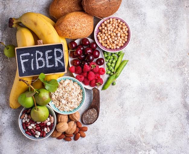 Produtos ricos em fibras, alimentos dietéticos saudáveis