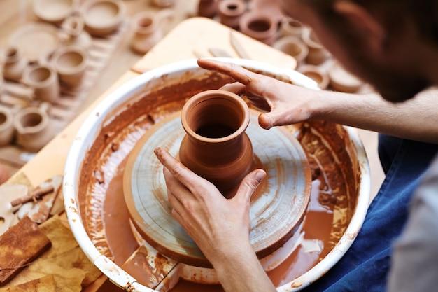 Produzindo jarros