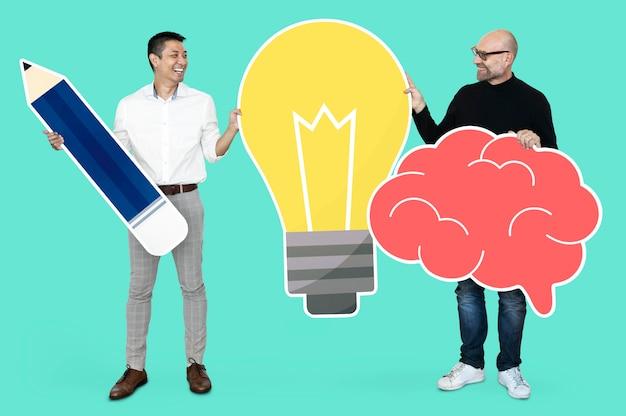 Professor e aluno com ideias brilhantes