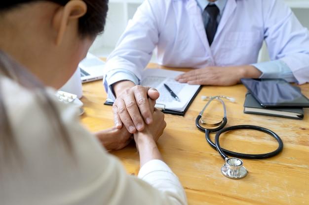 Profissional, doutor, toque, paciente