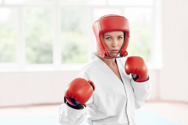 Profissional feminino karatê fighte