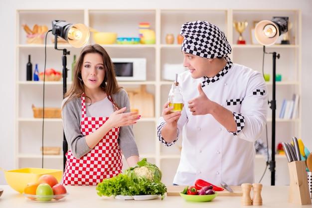 Programa de tv de culinária de alimentos