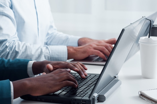 Programação da equipe de negócios usando novas tecnologias