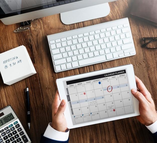 Programação de agendamento de calendário memo management organizer urgency concept