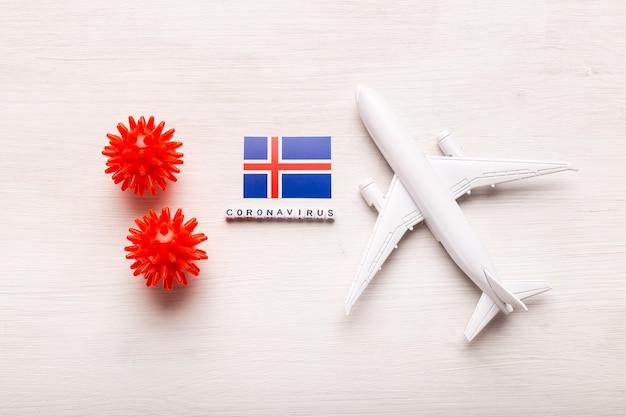Proibição de voos e fronteiras fechadas para turistas e viajantes com coronavírus covid-19. avião e bandeira da islândia em um branco