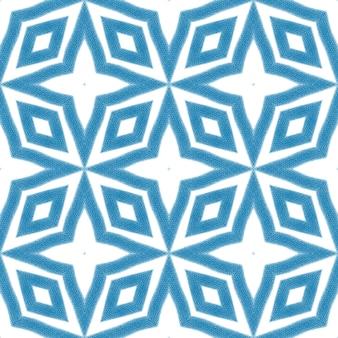 Projeto das listras da divisa. fundo azul do caleidoscópio simétrico. padrão de listras geométricas chevron. estampado têxtil pronto a buscar, tecido de biquíni, papel de parede, embrulho.