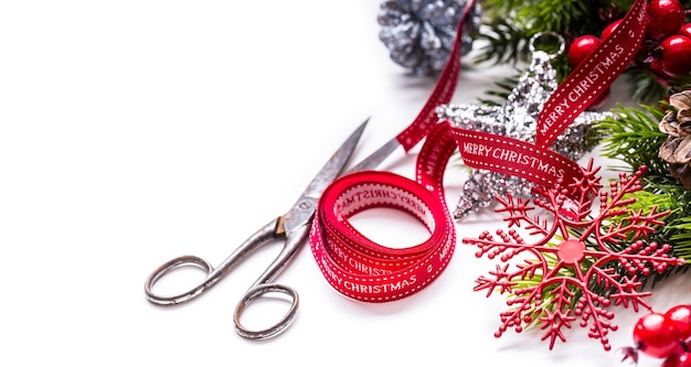 Projeto de borda de decoração de tesouras de fita de natal