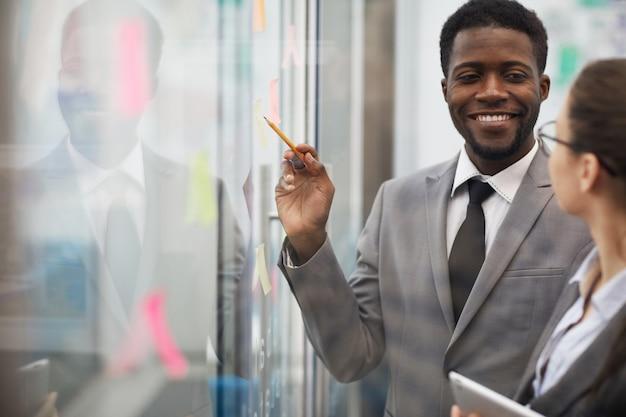 Projeto de planejamento de empresário africano