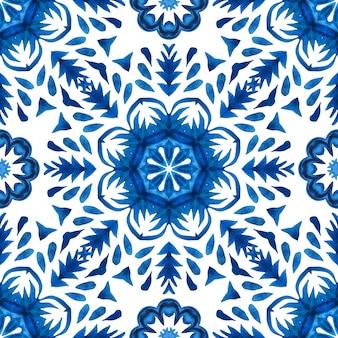 Projeto de tecido de telhas orientais do padrão de aquarela floral abstrato azul sem emenda lindo. azulejo espanhol de estilo azulejo.
