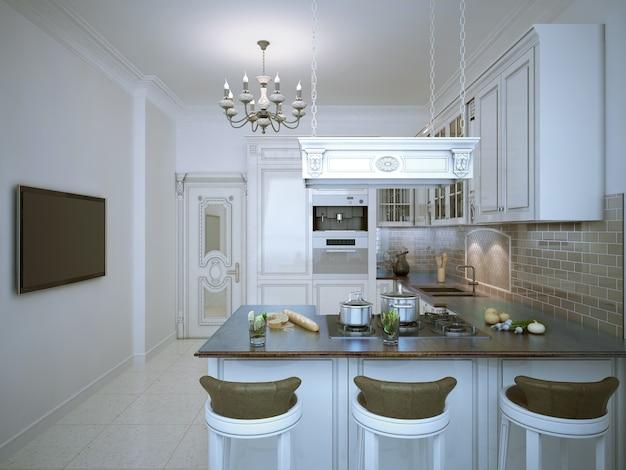 Projeto provençal de cozinha com móveis brancos, bar com cadeiras
