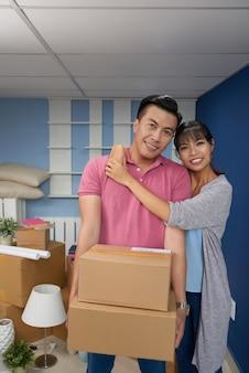 Proprietários felizes da nova casa