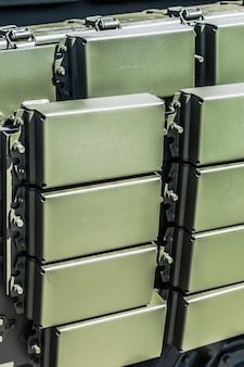 Proteção cumulativa ativa de equipamentos militares
