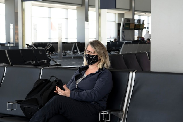 Proteção de máscara facial na vida diária