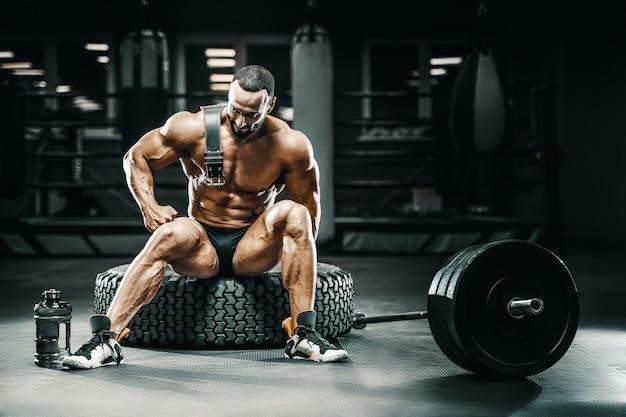 Proteína em pó para fisiculturista após treino físico