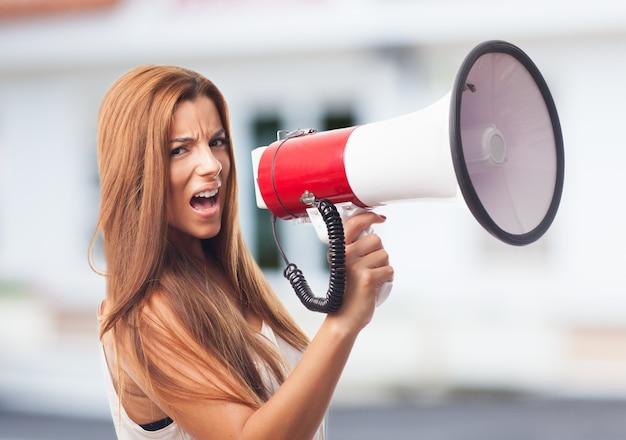 Protesto alto-falante branco anunciar a mensagem