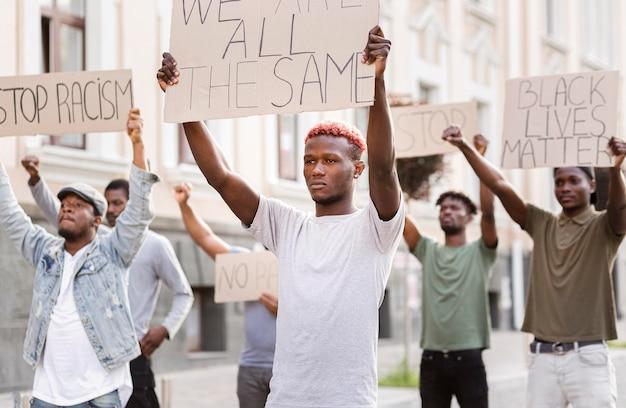 Protesto de matéria viva negra
