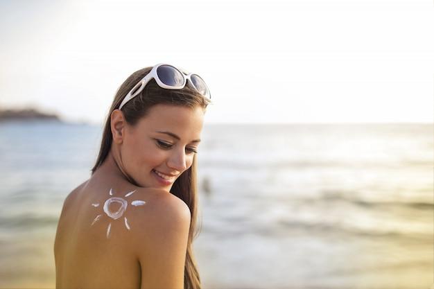 Protetor solar na pele