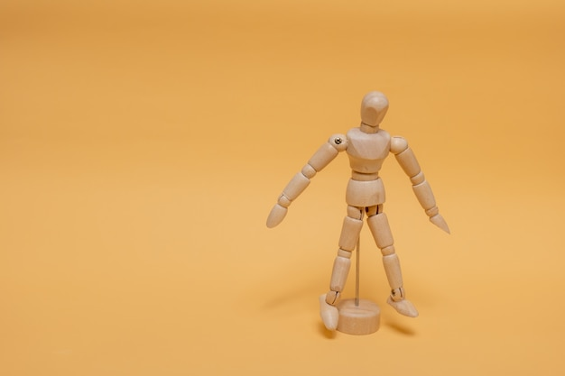 Protótipo para desenhar em pé ao fundo.