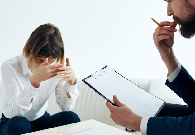 Psicólogo mulher visite médico problemas de saúde terapia estresse. foto de alta qualidade
