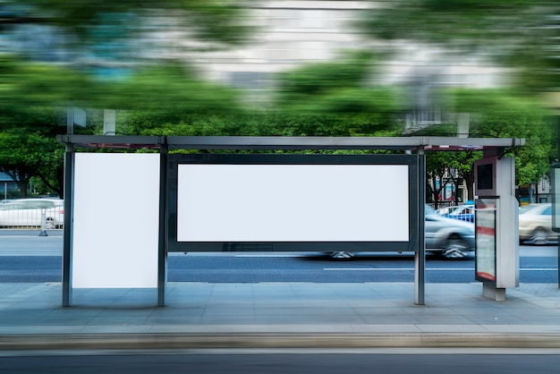 Publicidade da caixa de luz led da estação