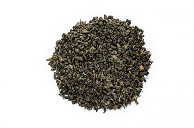 Punhado de chá verde seco
