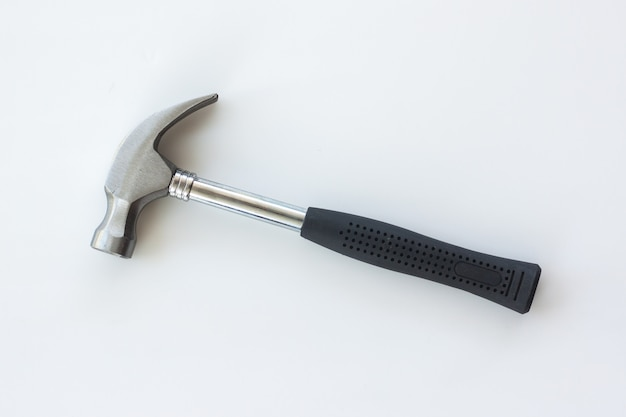 Punho de entulho de martelo de aço em madeira branca
