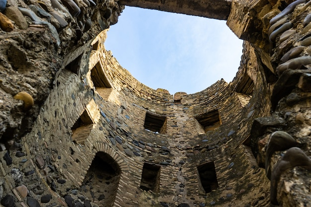 Qsnis tsikhe ou castelo em mukhrani / ksani
