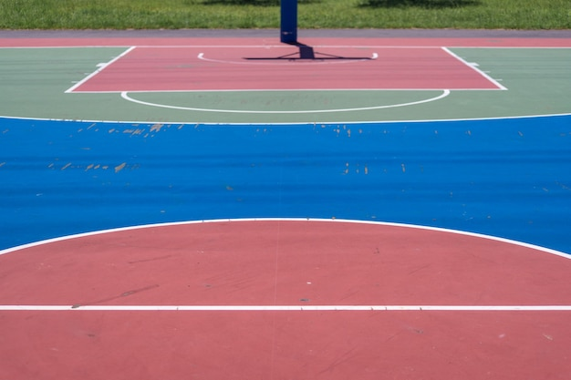 Quadra de basquete em parque em nova cidade de taipei