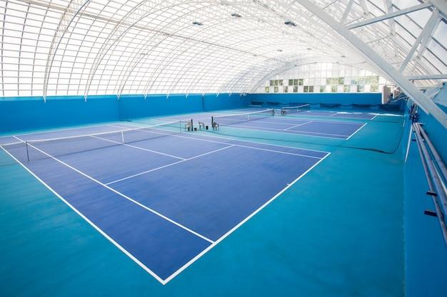 Quadra de tênis vazia