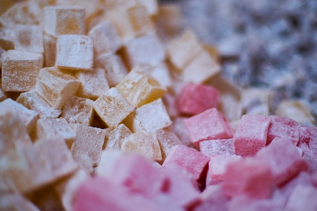 Quadrados de fruta com açúcar