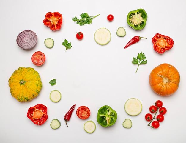 Quadro circular de legumes frescos