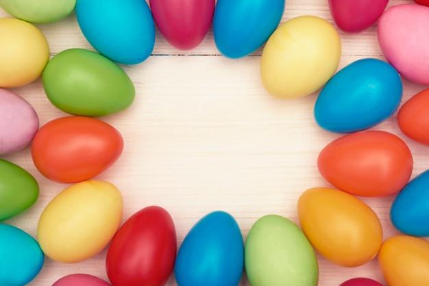 Quadro circular de ovos de páscoa