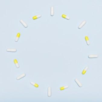 Quadro circular feito com cápsulas