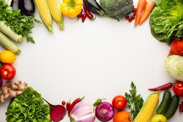 Quadro colorido de legumes com espaço de cópia
