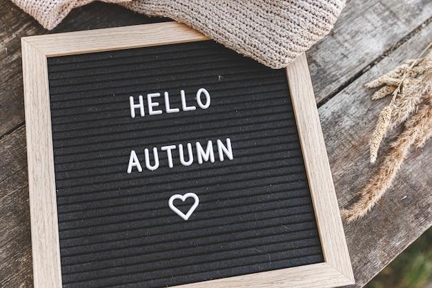 Quadro com mensagem olá outono